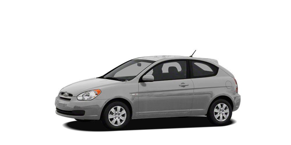 2011 Hyundai Accent GS 2011 Hyundai Accent GS in Platinum Silver Metallic  Pearl USB Port MP3-