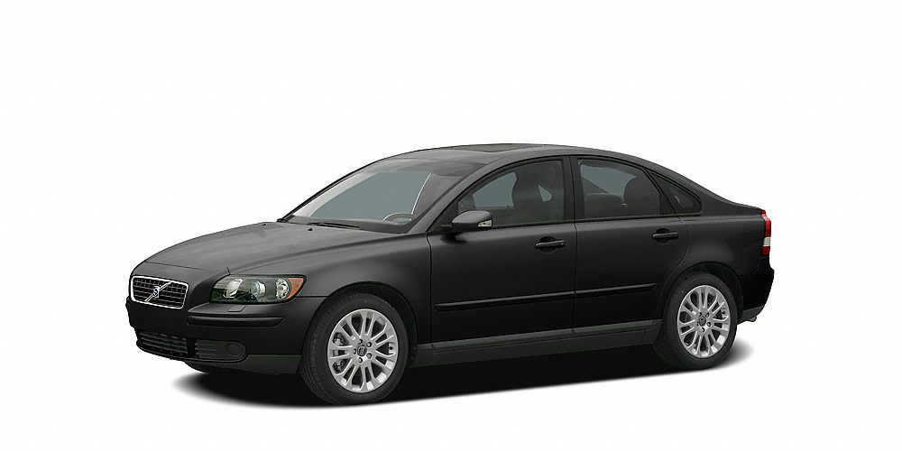 2006 Volvo S40 T5 At the Pre-Owned Factory we build happy customers for life Take a look at this