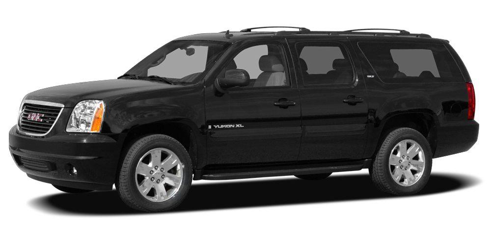 2009 GMC Yukon XL 1500 SLT ONE OWNER CLEAN CARFAX LEATHER SUNROOF THIRD ROW HEATED SEATS NAV