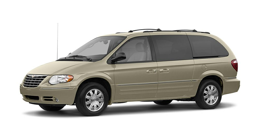 2005 Chrysler Town  Country Limited Vehicle Detailed Recent Oil Change and Passed Dealer Inspec