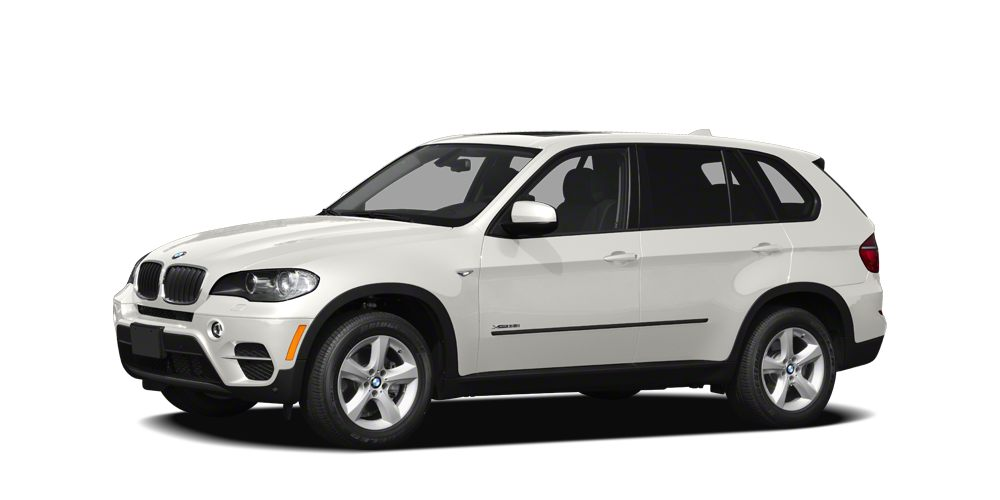 2011 BMW X5 xDrive35d Snatch a steal on this 2011 BMW X5 35d before its too late Roomy yet easy-