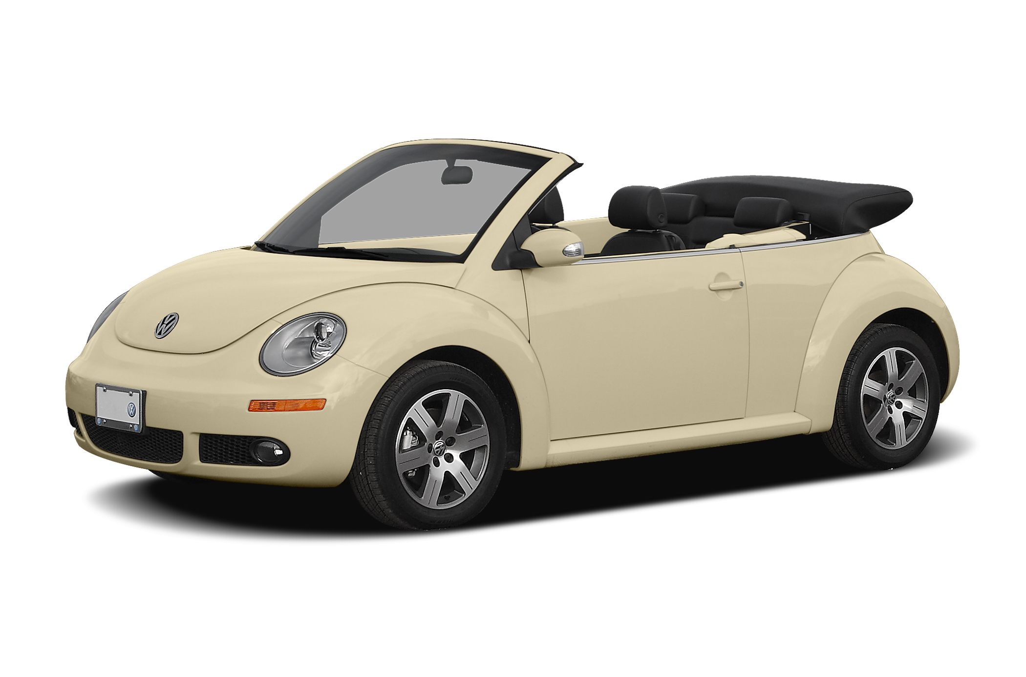 2009 Volkswagen New Beetle 25 This low mile VW Beetle Convertible with leather seats is a great v