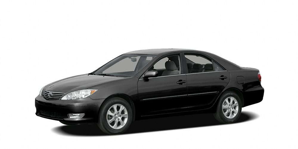 2006 Toyota Camry LE Take your hand off the mouse because this 2006 Toyota Camry is the car youve