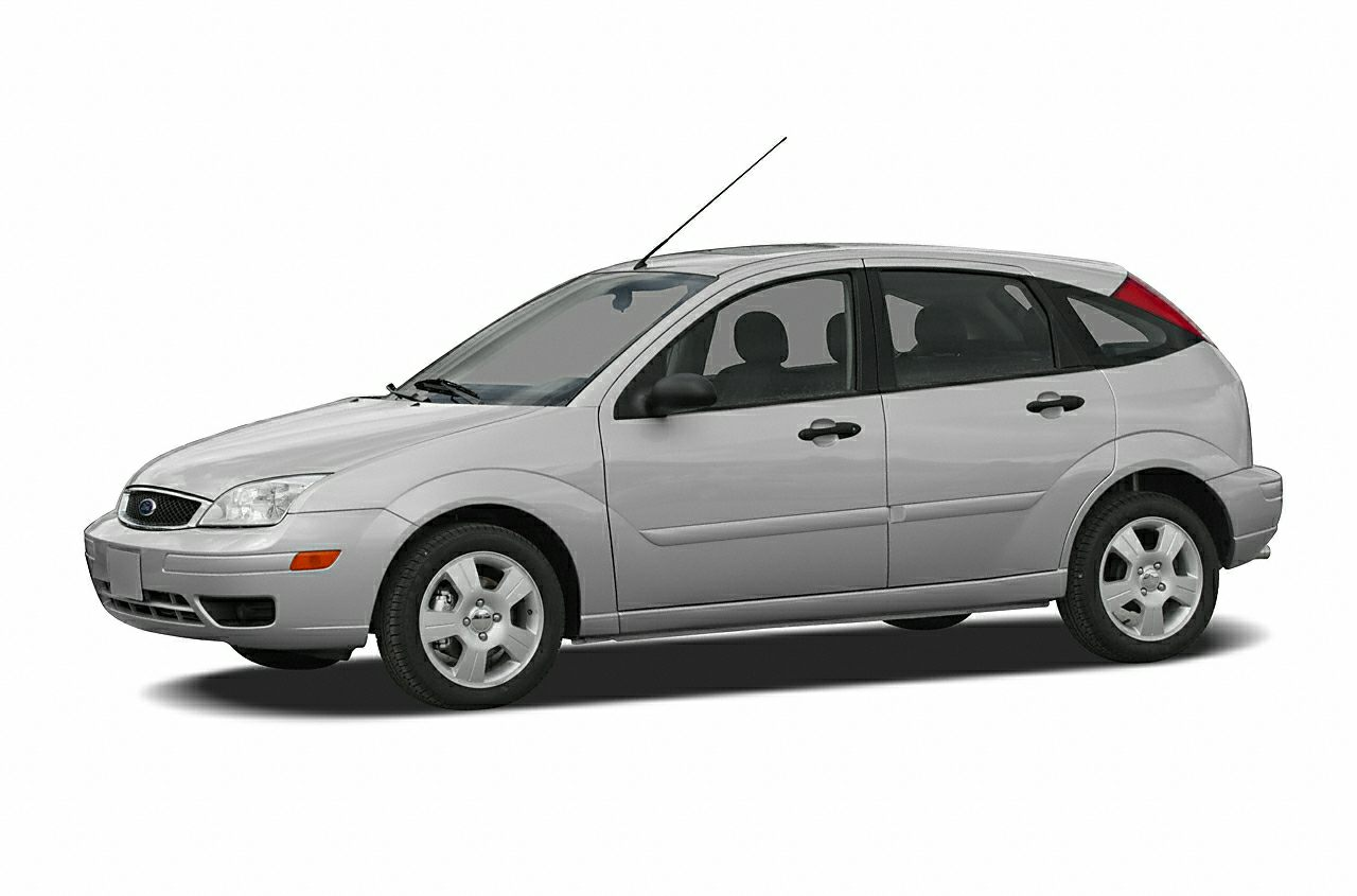 2005 Ford Focus ZX5  WHEN IT COMES TO EXCELLENCE IN USED CAR SALESYOU KNOW YOURE AT STAR AUT