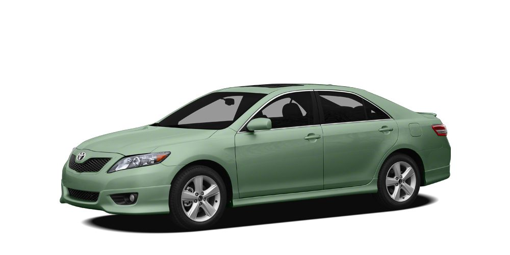 2010 Toyota Camry XLE PRICED TO MOVE 2100 below Kelley Blue Book EPA 28 MPG Hwy19 MPG City C