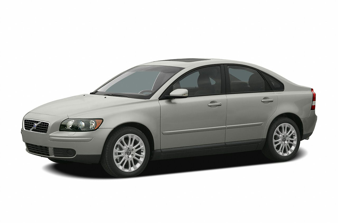 2005 Volvo S40 24i Stick shift Green Machine This superb 2005 Volvo S40 is the low-mileage car