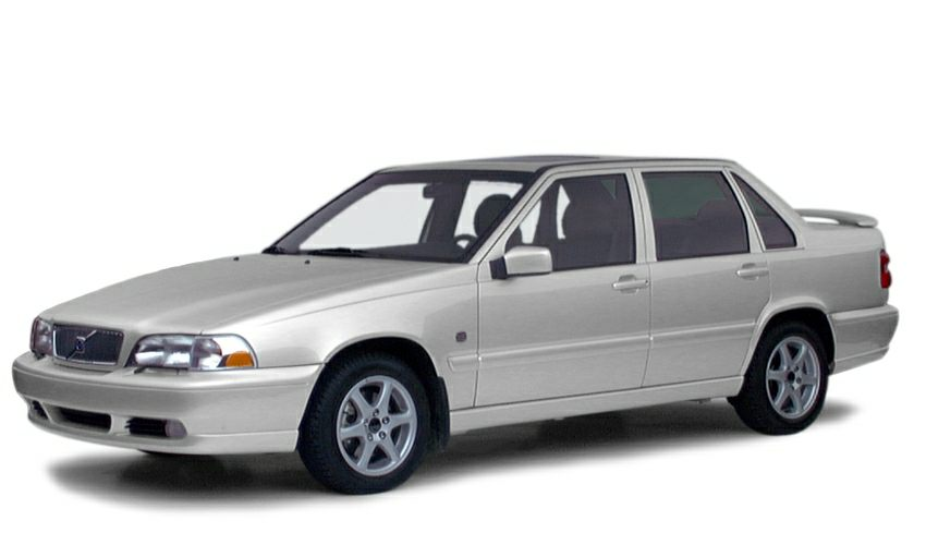2000 Volvo S70 Base CASH ONLY   runs and drives great rear power windows arent working Automa