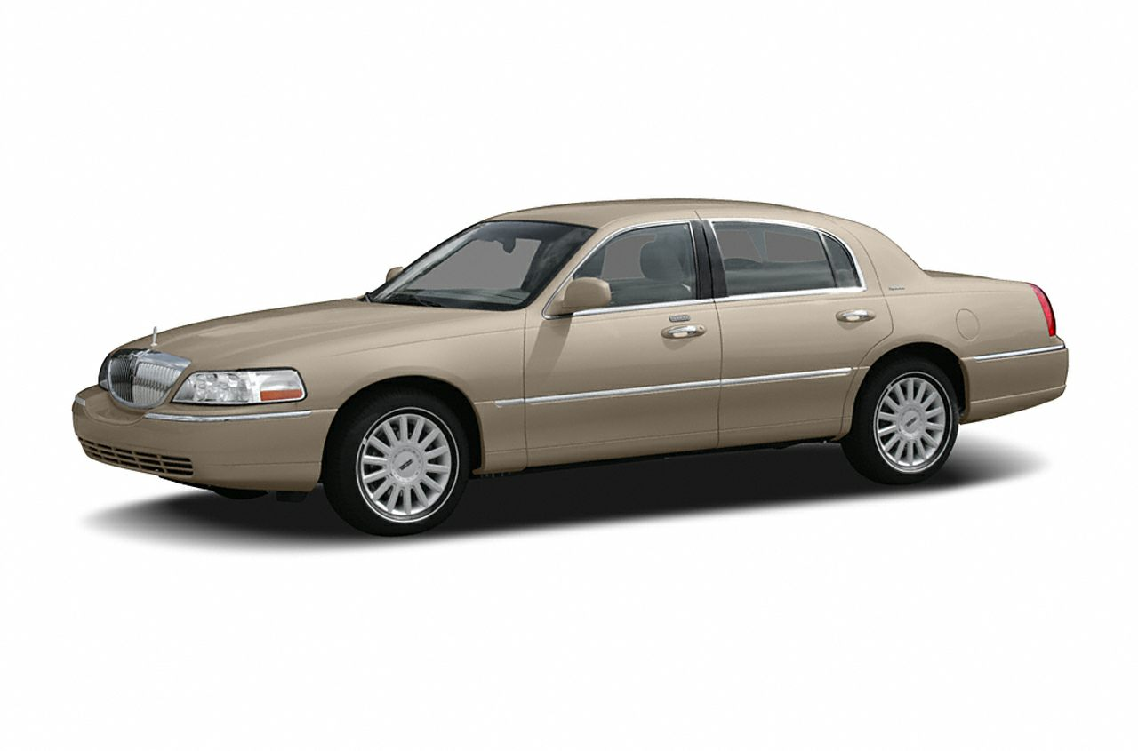 2005 Lincoln Town Car Signature Limited Miles 70115Color White Stock 161153A VIN 1LNHM82W05Y