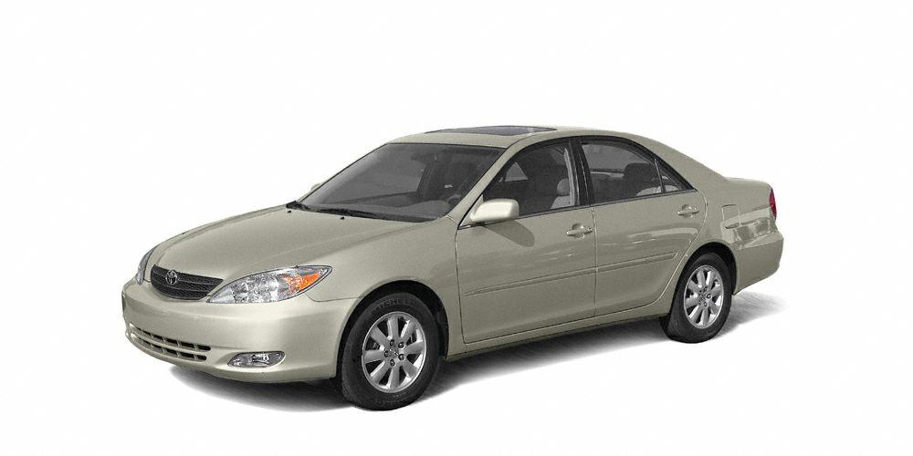 2004 Toyota Camry LE CARFAX 1-Owner LE trim LUNAR MIST MET exterior and FB13 interior JUST REPR