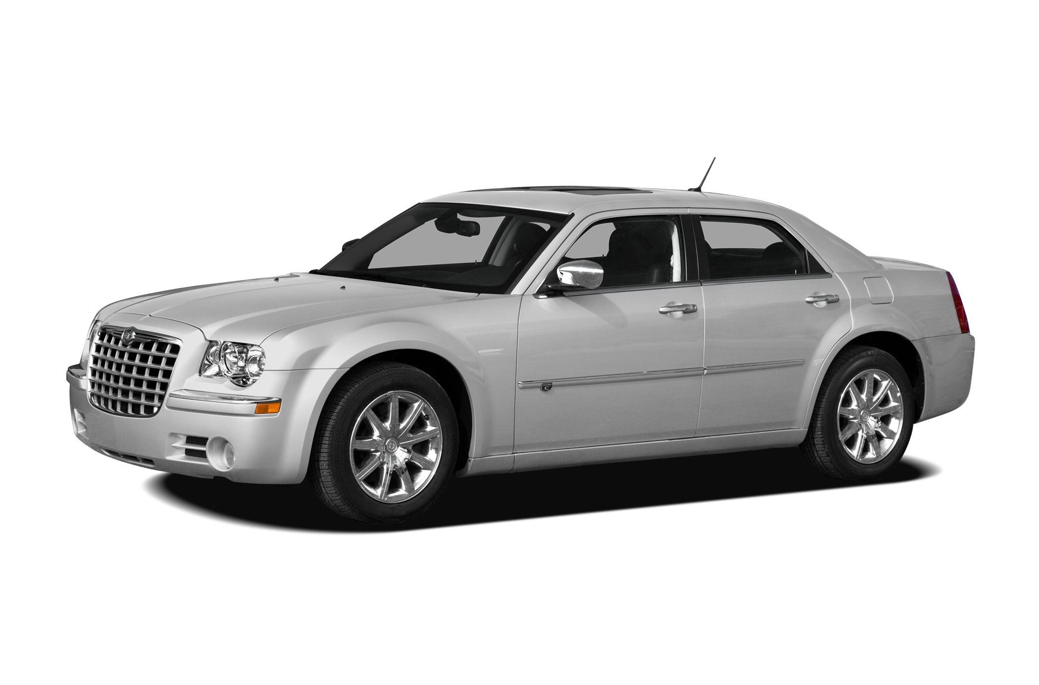 2008 Chrysler 300C Hemi Consumer Guide Best Buy Car 12000 Mile Warranty Heated Leather Seats S