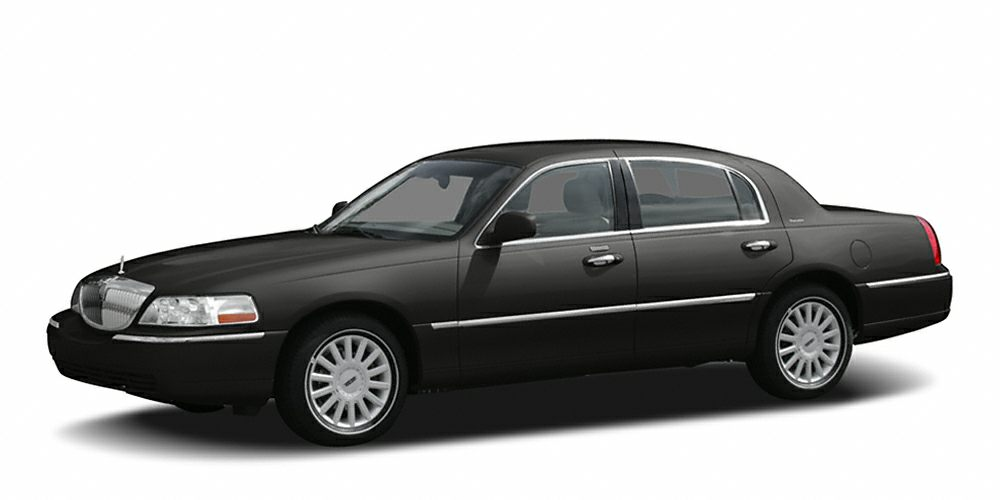 2006 Lincoln Town Car Signature Limited Miles 114198Color Black Clearcoat Stock FP8950A VIN